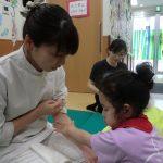 子どもの可能性を引き出す(重度心身障がい児施設ボランティア訪問)